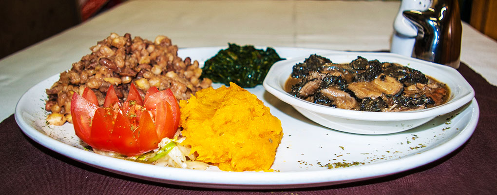 we serve the best traditional dishes | feel at home